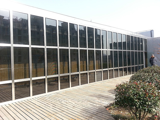 Прозрачные фотоэлектрические модули для остекления фасадов зданий