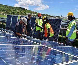 солнечные панели пережили ураган Irma